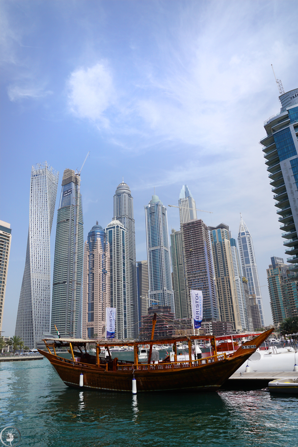 Dhow Cruise: It is one of the best ways to explore the futuristic buildings that line both sides of the marina.